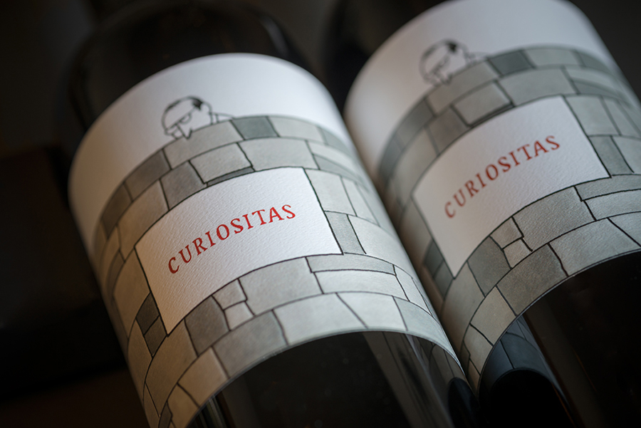 The Walls Winery bottle of Curiositas